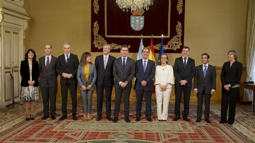 Feijóo y los miembros de su gobierno, en el acto de toma de posesión