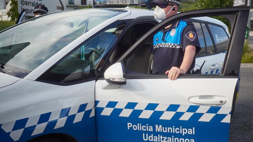 Denunciados tres establecimientos de Pamplona porque sus empleados no llevaban mascarilla