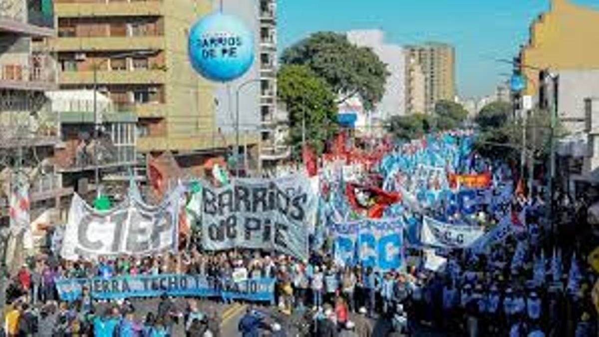 En organizaciones como el Movimiento Evita y Barrios de Pie son críticos de las renuncias en el Gabinete.