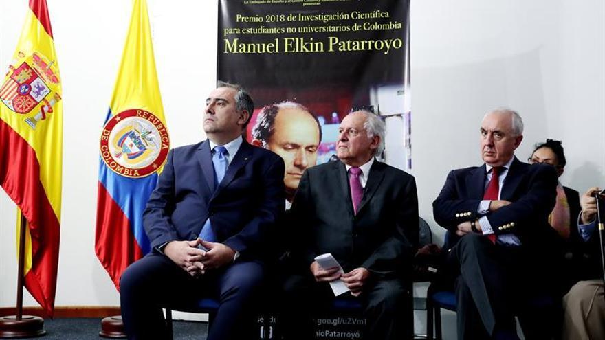 España presenta el Premio Patarroyo de investigación para jóvenes estudiantes