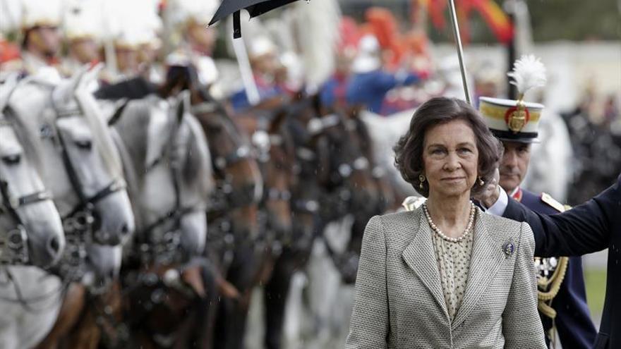 Doña Sofía preside la jura de bandera de 480 civiles y 27 guardias reales