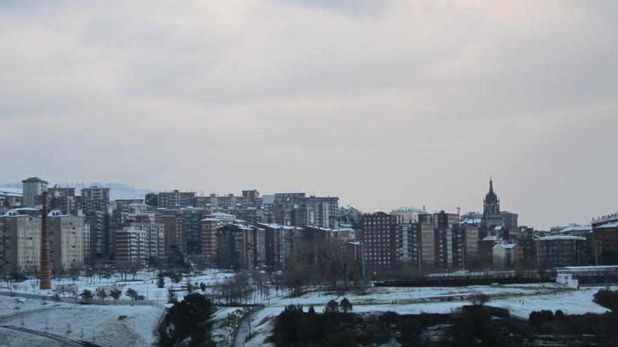 Bilbao esparce casi 110.000 kilos de sal para garantizar el buen estado de la vía y espacios públicos