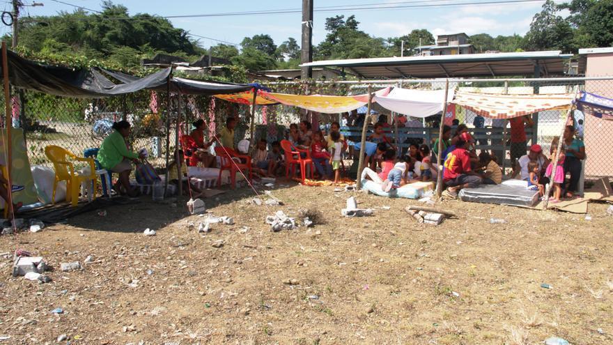 Albergue provisional en la comunidad Salima en Muisne.