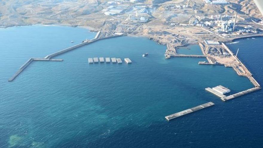 El futuro puerto de Granadilla, en fase de construcción