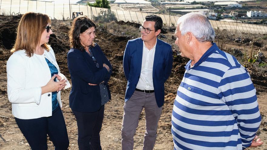 Momento de la visita realizada a La Aldea este jueves por altos cargos del Gobierno de Canarias