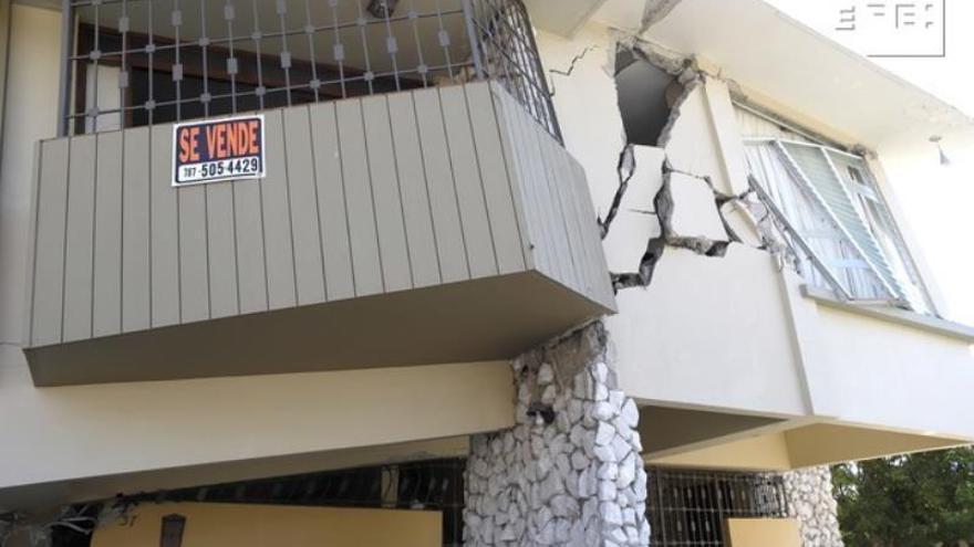 Vista este martes de una casa destrozada por el sismo de magnitud 6,4 en Yauco (Puerto Rico).