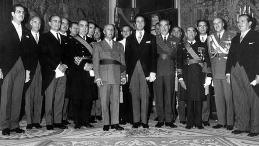 Franco y sus ministros.