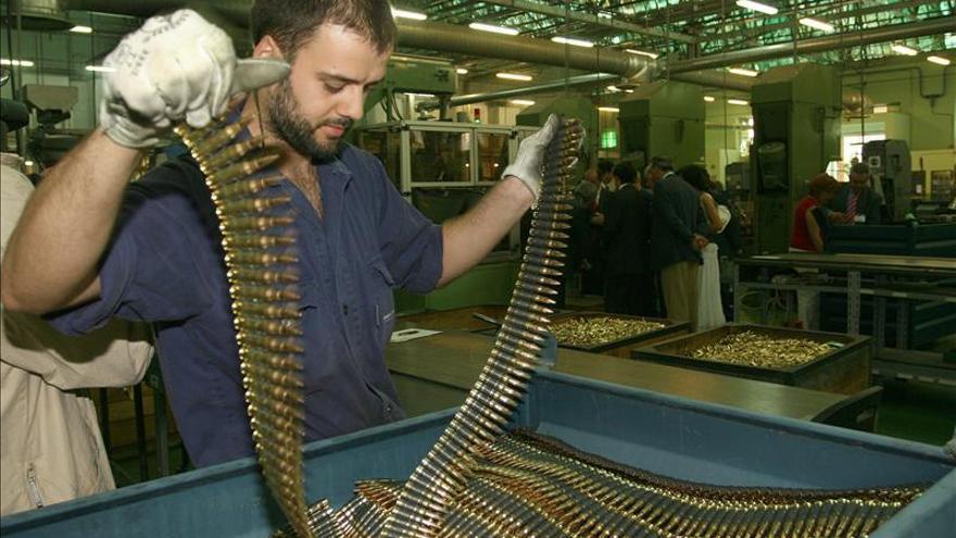 General Dynamics amplía el plazo para buscar una  alternativa a la fábrica de armas de A Coruña