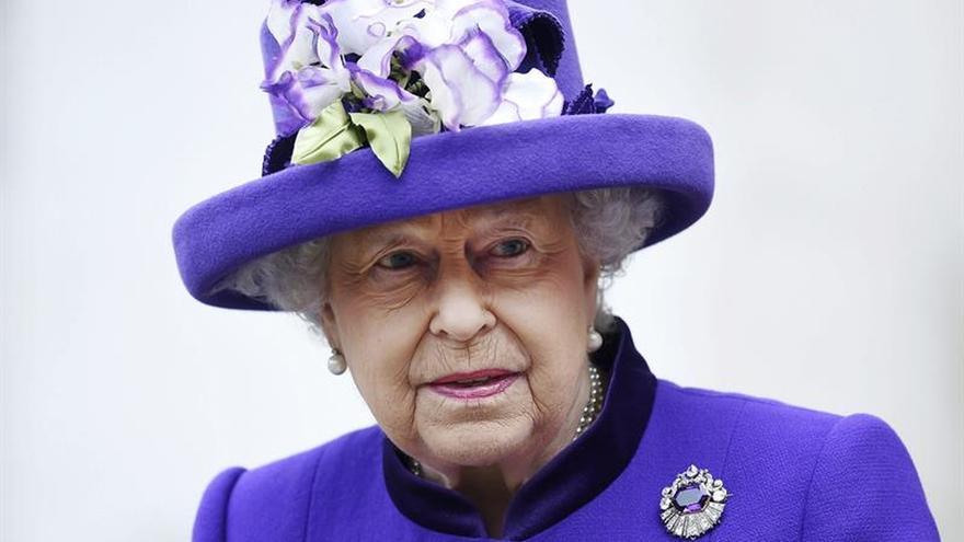 Isabel II dejará de patrocinar varias entidades benéficas