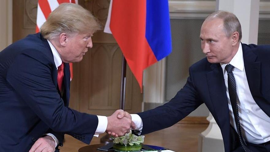 Putin le dice a Trump que Rusia no interfirió en elecciones estadounidenses