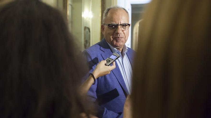 El portavoz de la Agrupación Socialista Gomera (ASG) en el Parlamento de Canarias, Casimiro Curbelo