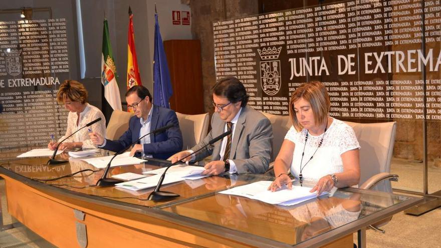 Firma acuerdo Diputaciones Consejerías
