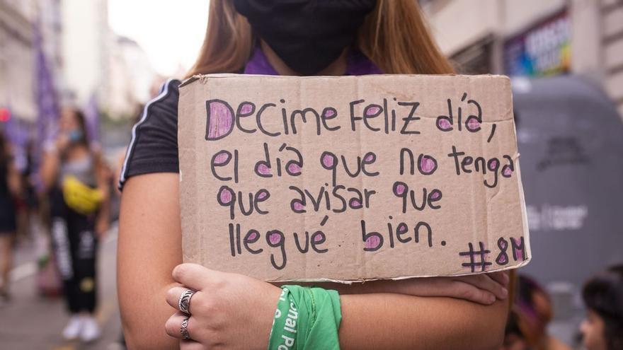 Cartel en reclamo contra la violencia machista durante el 8M