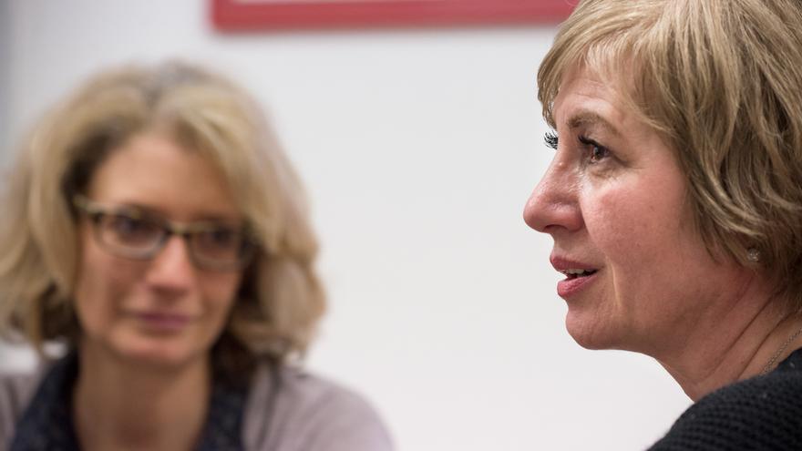 Patricia Martí y Gohar Yeritsyan durante la entrevista. / © SANDRA LÁZARO