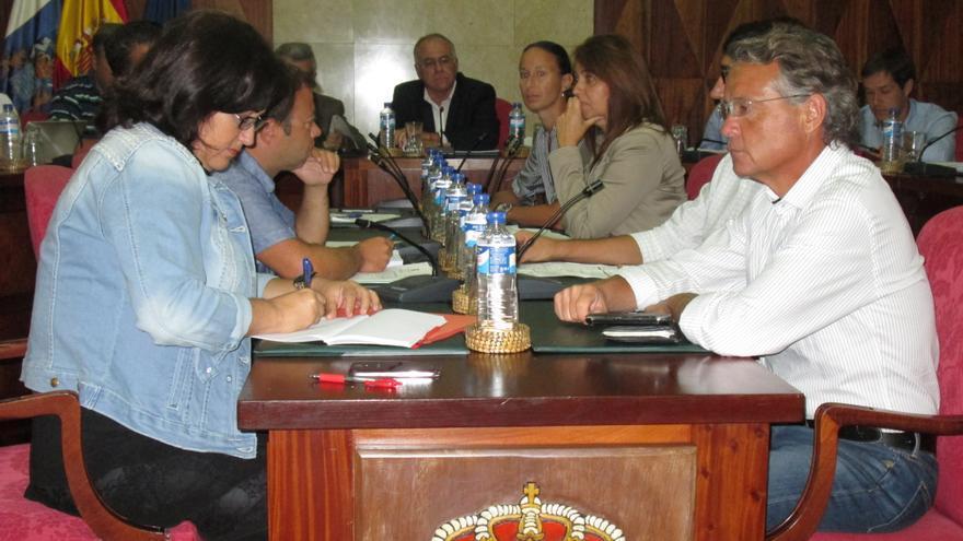 En la imagen, sesión plenaria del Cabildo celebrada este viernes. Foto: LUZ RODRÍGUEZ