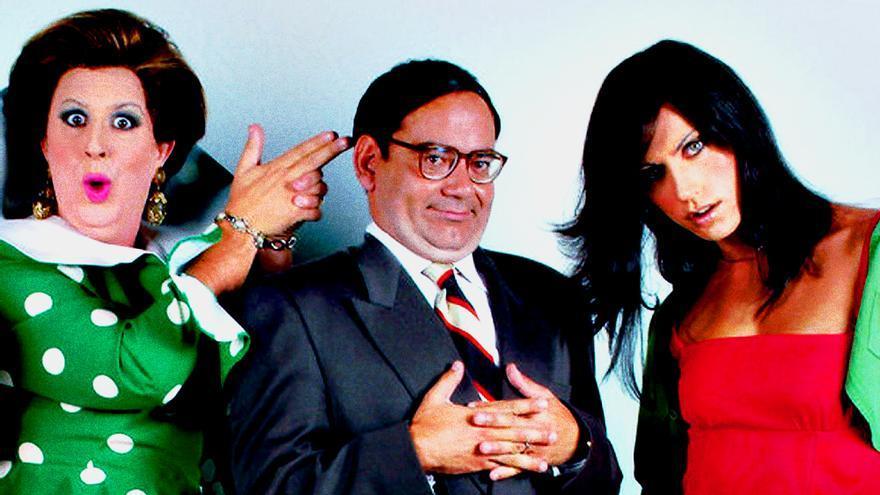 José Corbacho con parte del reparto original de Homo Zapping