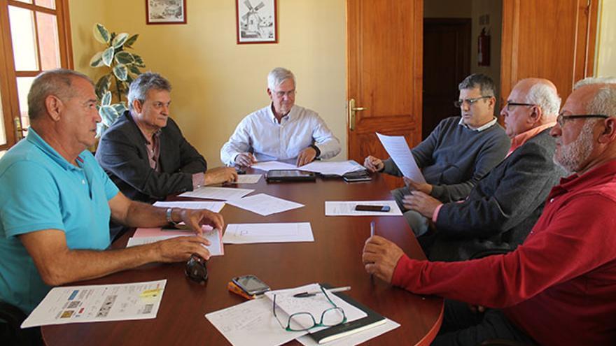 Los seis alcaldes de Fuerteventura.