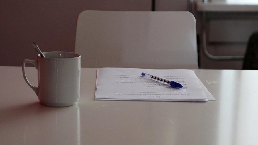 El autor firma un contrato con las plataformas de autoedición donde se especifican las condiciones del acuerdo