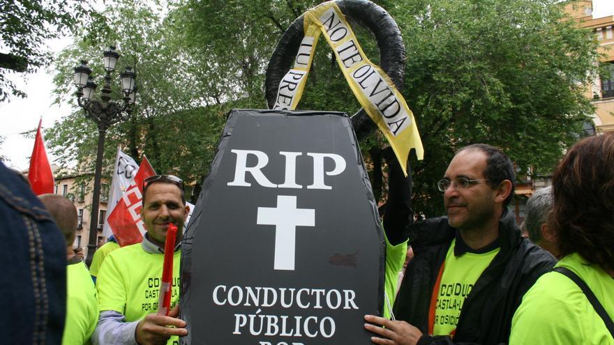 Conductor muerto por oposición