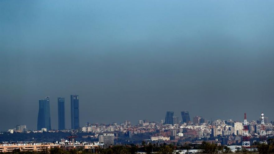 """La calidad del aire en España """"mejoró ligeramente"""" en 2016"""