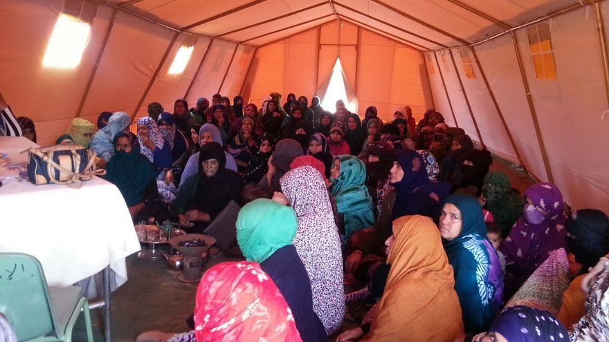 Una de las tiendas de campaña que aloja a los más de 270.000 saharauis afectados.