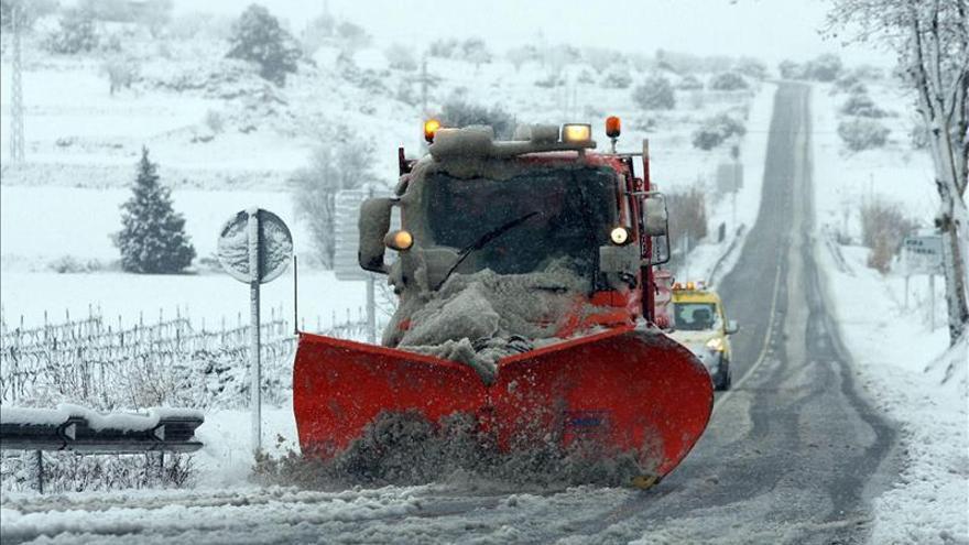 Cuatro carreteras catalanas siguen cerradas al tráfico por la nieve
