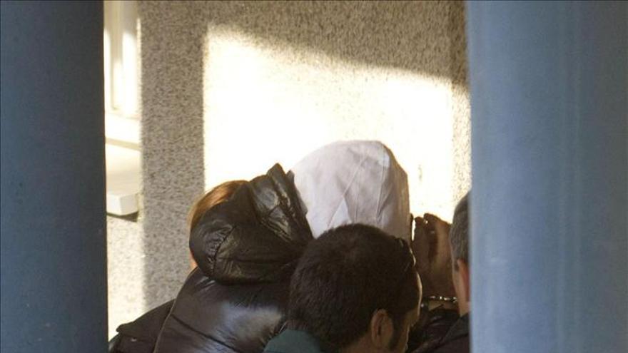 Prisión comunicada y sin fianza para la pareja acusada de robos en Pontevedra