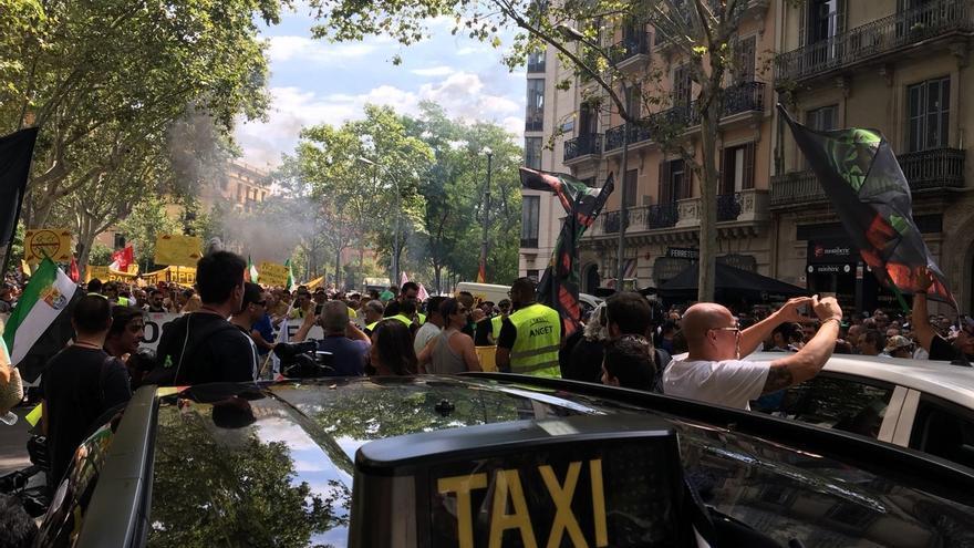El sector de las VTC vuelve a operar con normalidad en Barcelona tras el paro del taxi