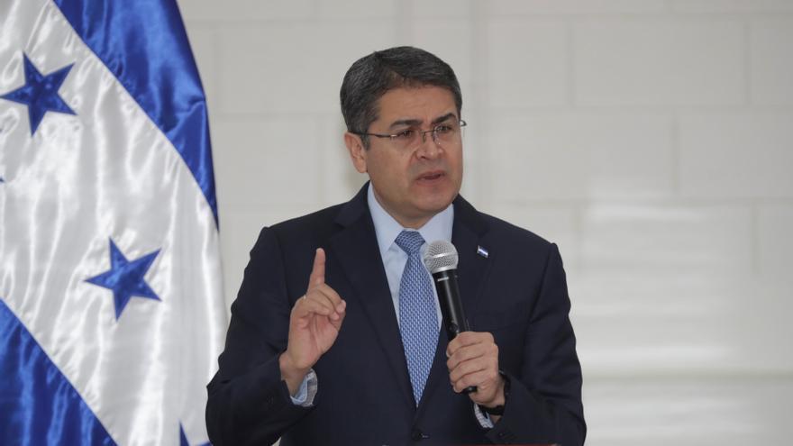 El presidente de Honduras se solidariza con México por el accidente del metro