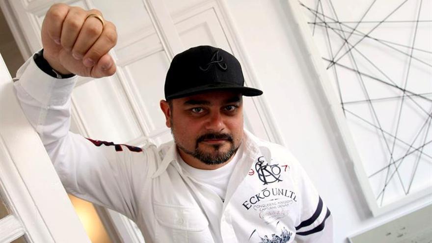 """El rapero Nach se """"abre en canal"""" en """"Hambriento"""", su primer libro"""