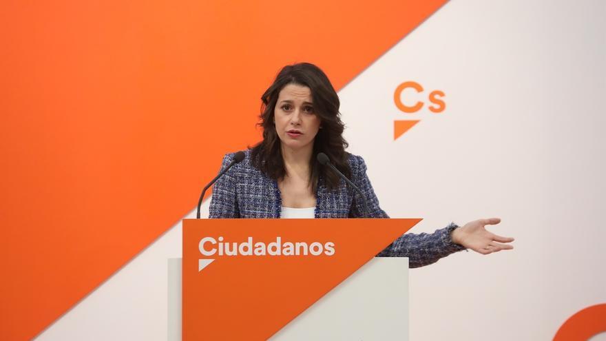 """Arrimadas (Cs) insiste en que el PP designe a un sustituto """"interino"""" de Cifuentes"""