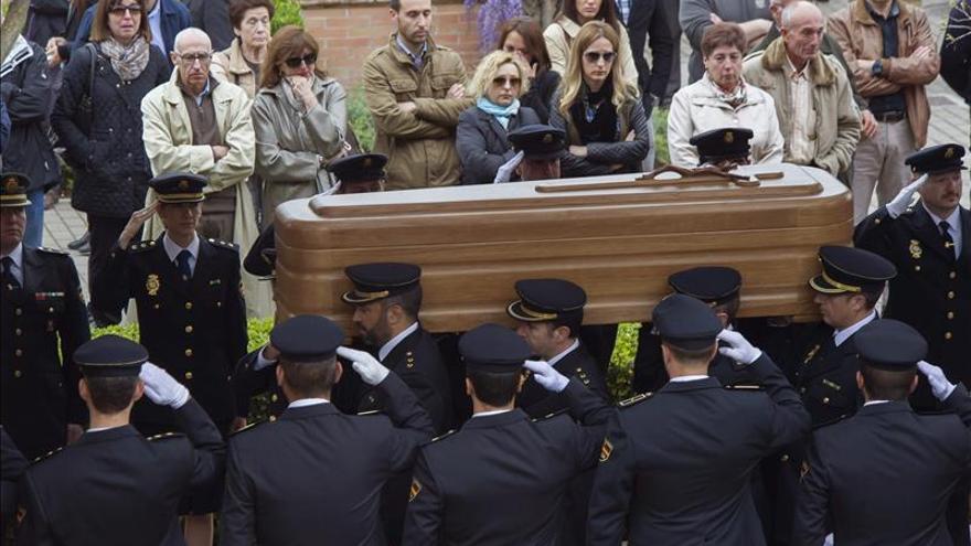 Granada despide a José Antonio Martínez entre el dolor y la impotencia. / Efe
