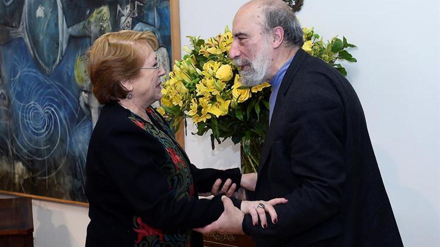 La poesía es la voz de Chile dice Raúl Zurita ganador del Premio Pablo Neruda