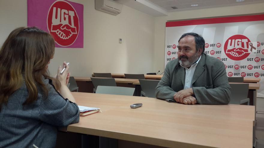 Carlos Pedrosa, durante la entrevista en la sede de UGT en Toledo