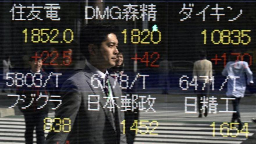 Tokio toca su máximo en más de un año en el arranque aupada por el yen