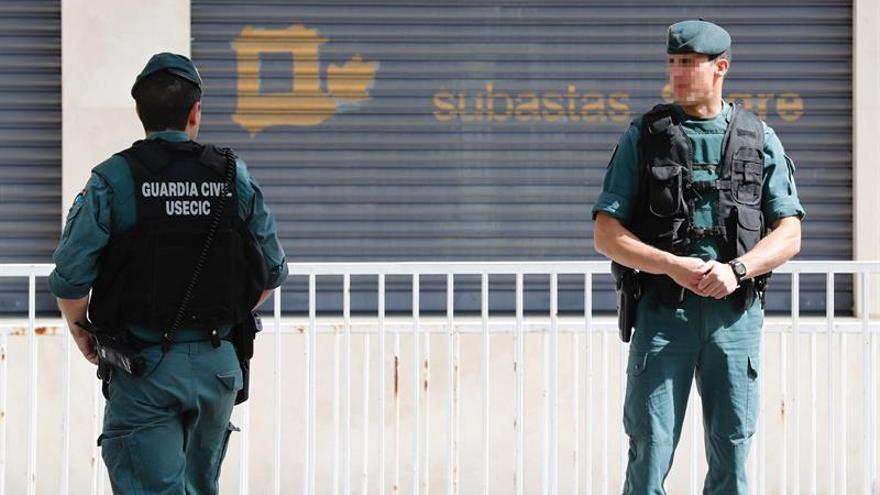 La Guardia Civil registra la empresa que preside la mujer de Ignacio González