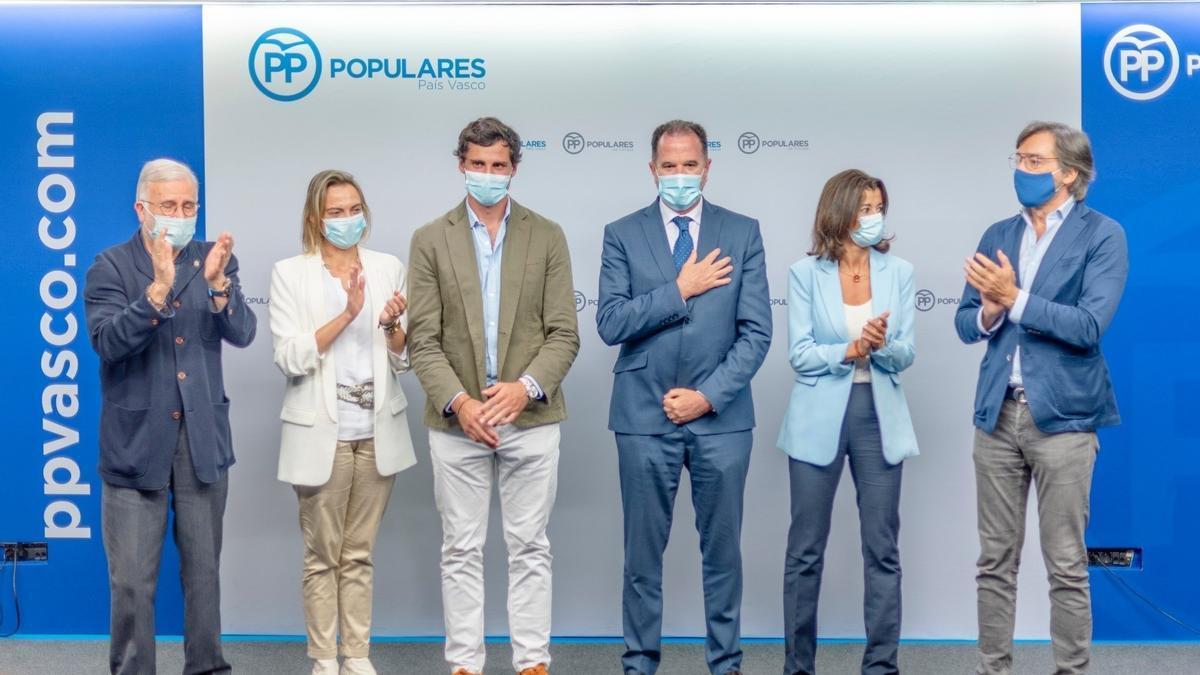 El PP vasco aclama a Iturgaiz: presidente con 54 votos a favor de 57 miembros de la junta directiva