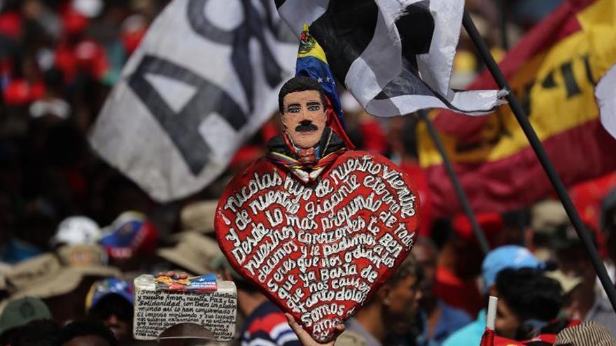 Miles marchan en Caracas para apoyar a Maduro tras el fallido atentado