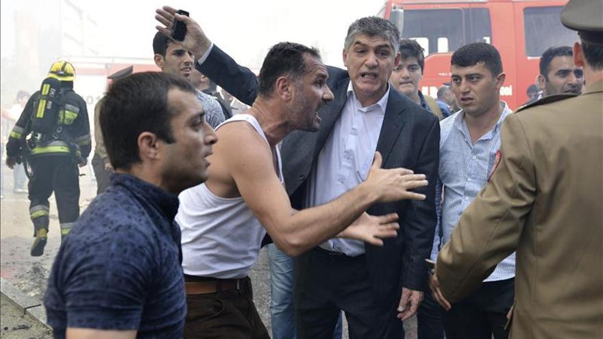 Al menos quince muertos en un incendio en un edificio de apartamentos en Bakú