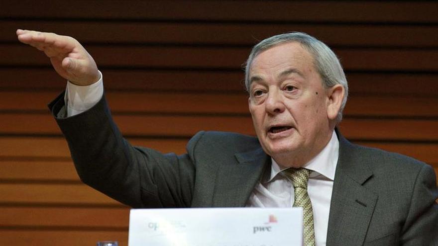 """Solchaga cree que la formación de Gobierno requiere """"la desaparición de Rajoy"""""""