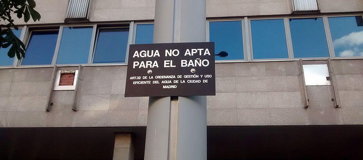 Cartel en la fuente de Santa María Soledad Torres Acosta | SOMOS MALASAÑA