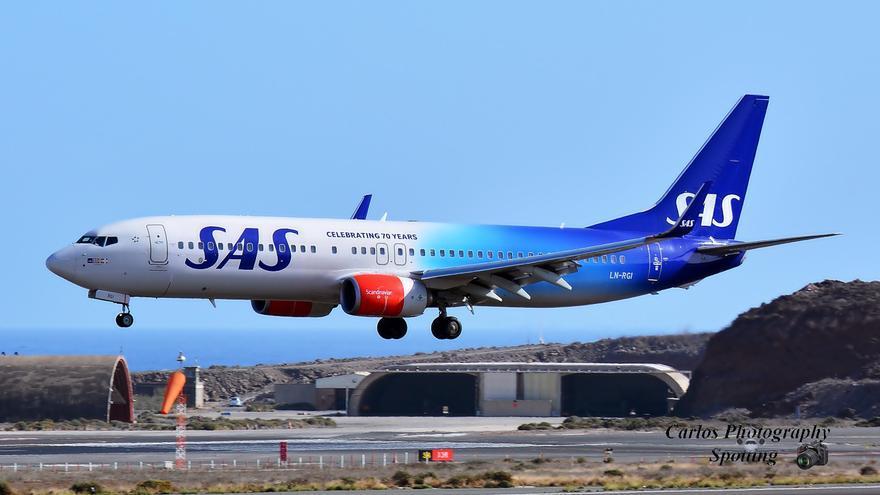 Aproximación de un avión al Aeropuerto de Gando. Foto: CARLOS PHOTOGRAPHY SPOTTING.