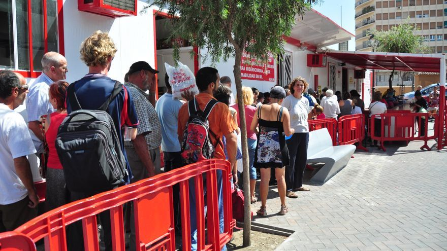 Cuando el comedor social est en plena calle - Comedores escolares malaga ...