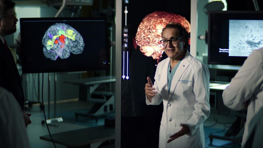 """""""Doctor Q"""", el neurocirujano mexicano que inspira un filme de Brad Pitt"""