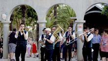 CRÓNICA | Las calles y plazas de San Javier y La Ribera se alegran con la música de la Dixieland Train