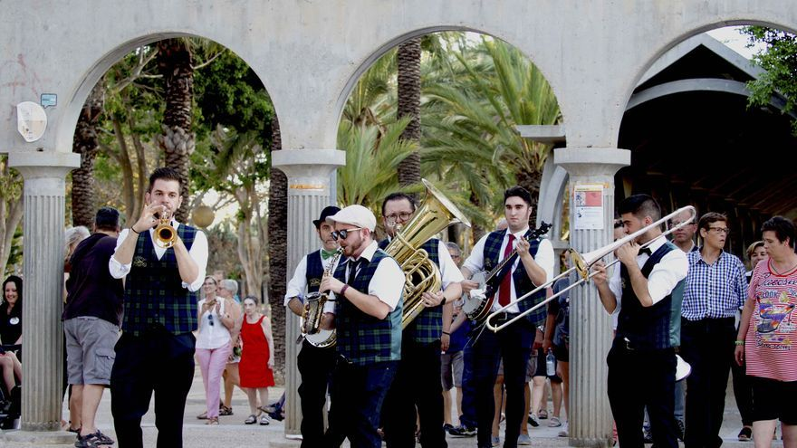 La Dixieland Train inició su recorrido por San Javier antes de viajar hasta La Ribera