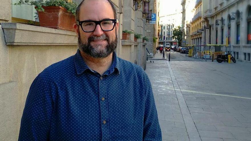 El profesor Josep Àngel Guimerà, en el centro de Barcelona