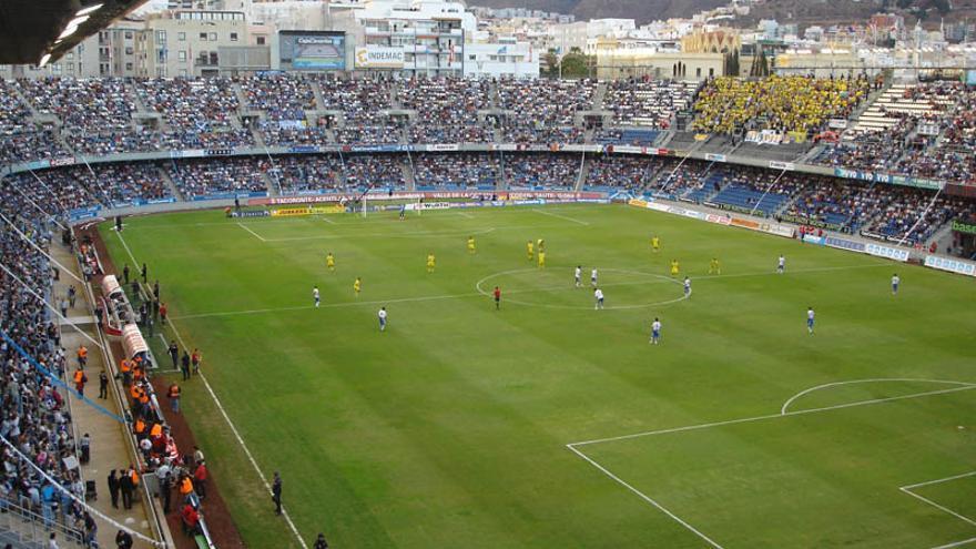 El Heliodoro Rodríguez López, en un partido entre la UD Las Palmas y el CD Tenerife