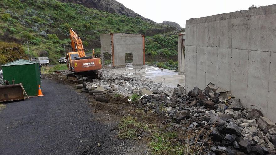 Demolición de la embotelladora de Taguluche