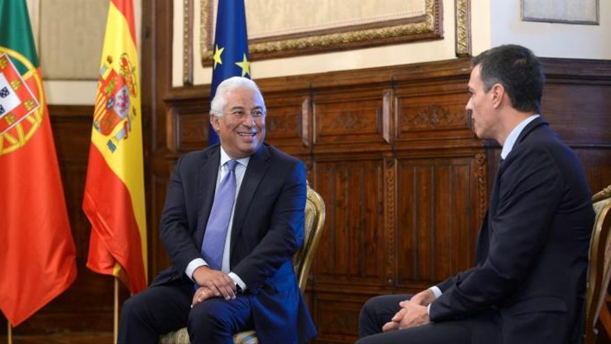 Pedro Sánchez se reúne con Costa en el congreso de los socialistas europeos